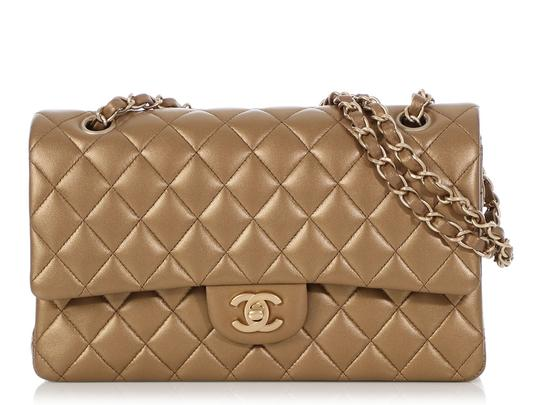 Preload https://img-static.tradesy.com/item/25849776/chanel-double-flap-classic-medium-large-quilted-matte-gold-lambskin-leather-shoulder-bag-0-0-540-540.jpg