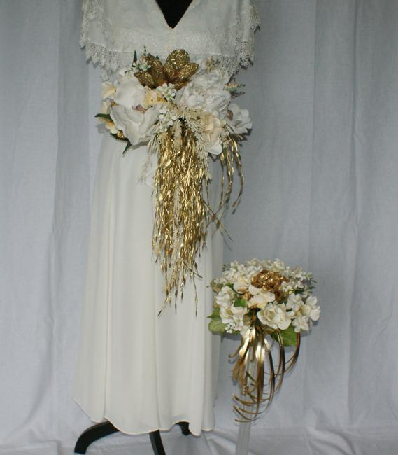 Gold and Glamorous Ivory and Gold Silk Bridal and Bridesmaid Bouquet Gold and Glamorous Ivory and Gold Silk Bridal and Bridesmaid Bouquet Image 1