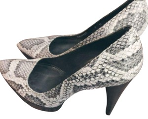 Stuart Weitzman Snakeskin Platform 2019 Fall Cream, Gray, Brown, Neutral Pumps