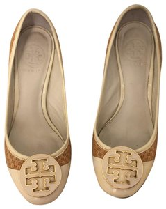 Tory Burch cream, gold and rafia Pumps