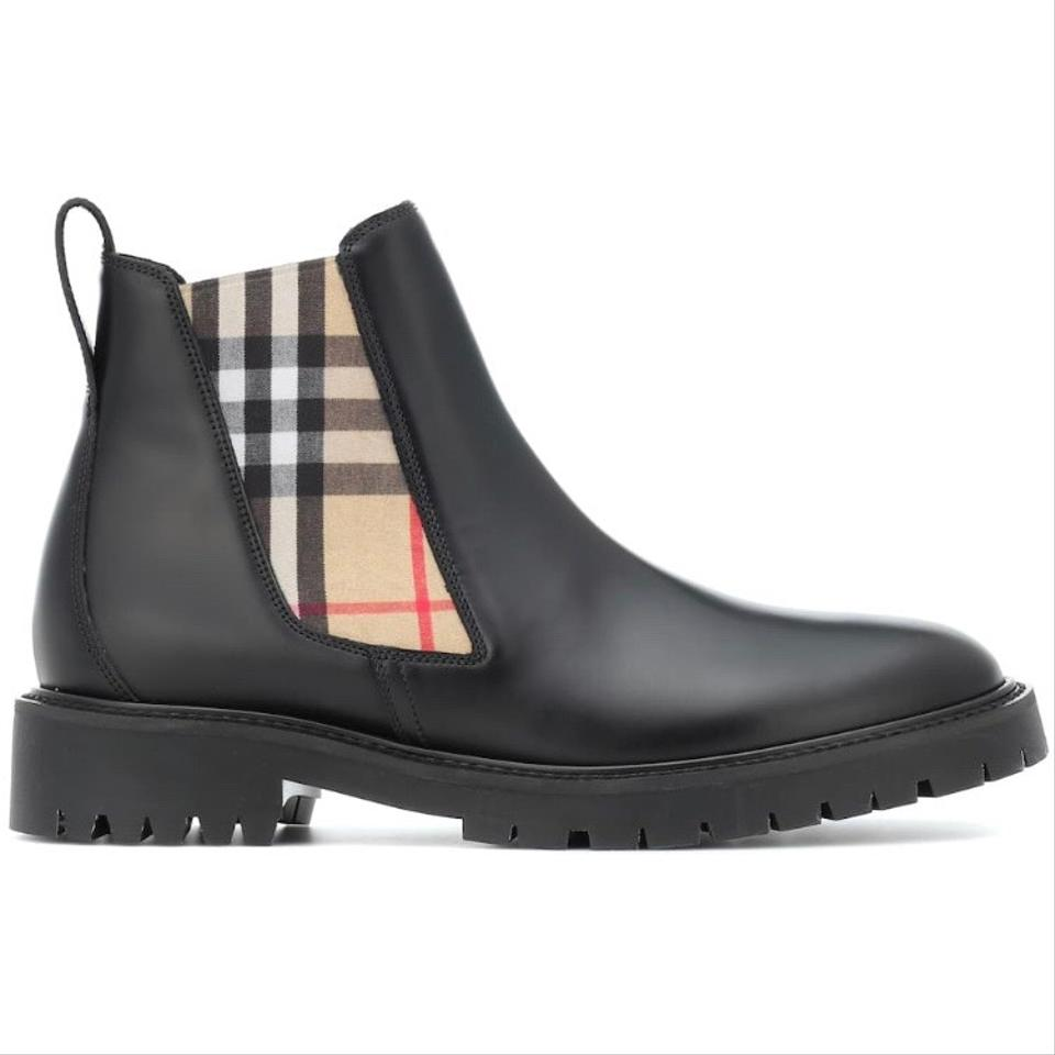 2e8128a04b1fe Burberry Boots on Sale - Up to 70% off at Tradesy