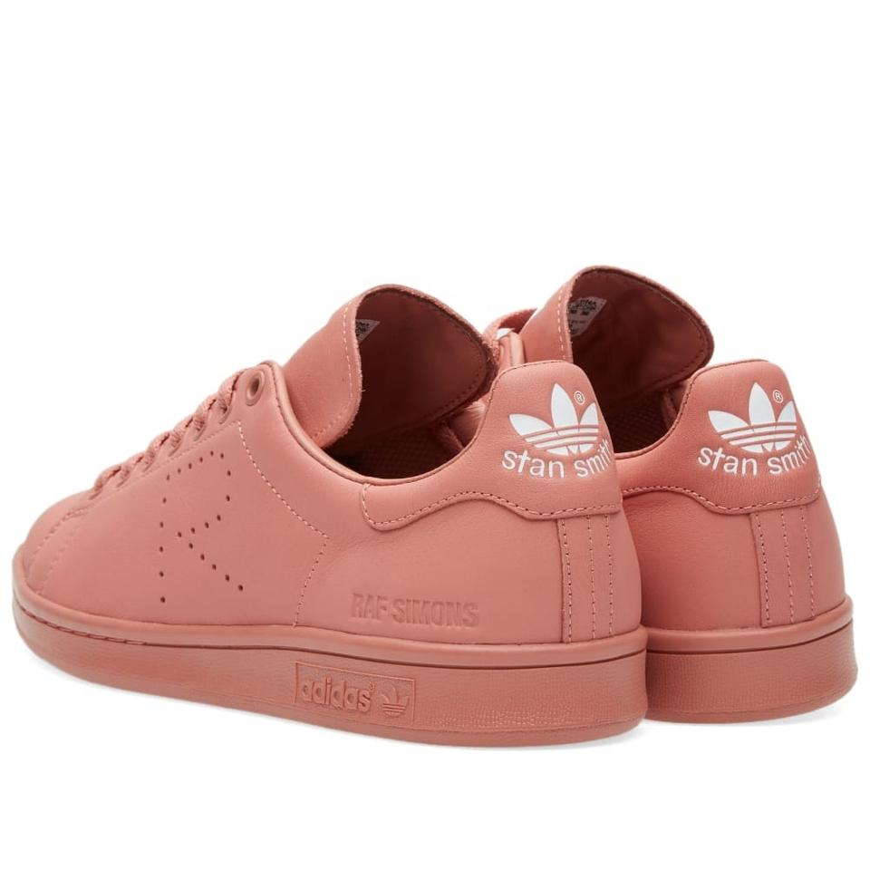 new products 29503 f317f Ash Pink Stan Smith Sneakers