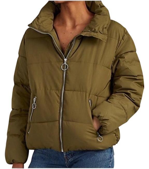 Preload https://img-static.tradesy.com/item/25852967/barneys-new-york-green-quilted-crop-puffer-jacket-coat-size-4-s-0-1-650-650.jpg