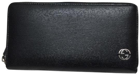 Preload https://img-static.tradesy.com/item/25853857/gucci-black-leather-with-zip-wallet-0-1-540-540.jpg