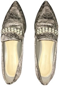 Marc Fisher Gray Flats