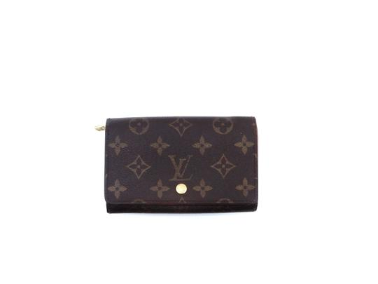 Preload https://img-static.tradesy.com/item/25854412/louis-vuitton-brown-clutch-tresor-porte-monnaie-monogram-canvas-leather-wallet-0-0-540-540.jpg