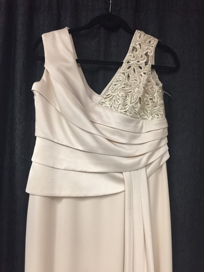 Daymor Couture Champagne Triacetate/Poly Blend Formal Bridesmaid/Mob Dress Size 10 (M) Image 1