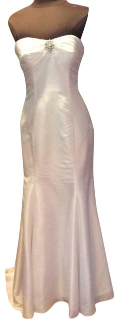 Preload https://img-static.tradesy.com/item/25854748/white-35293-long-formal-dress-size-8-m-0-1-650-650.jpg