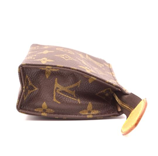 Louis Vuitton Monogram Pouch Flat Cosmetic brown Clutch Image 6