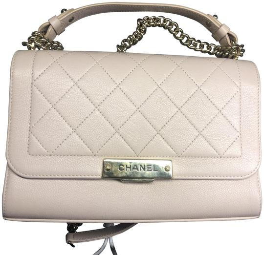 Preload https://img-static.tradesy.com/item/25855073/chanel-shoulder-quilted-click-label-medium-pink-leather-cross-body-bag-0-1-540-540.jpg