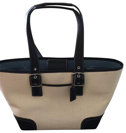 Preload https://img-static.tradesy.com/item/25855074/coach-woven-straw-leather-trim-leather-bottom-tote-0-1-540-540.jpg