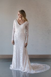 Ivory/Rose Quartz Monet - Zayne Traditional Wedding Dress Size 10 (M)