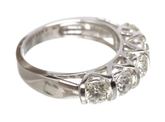 Diamond Daimond Ring Image 3
