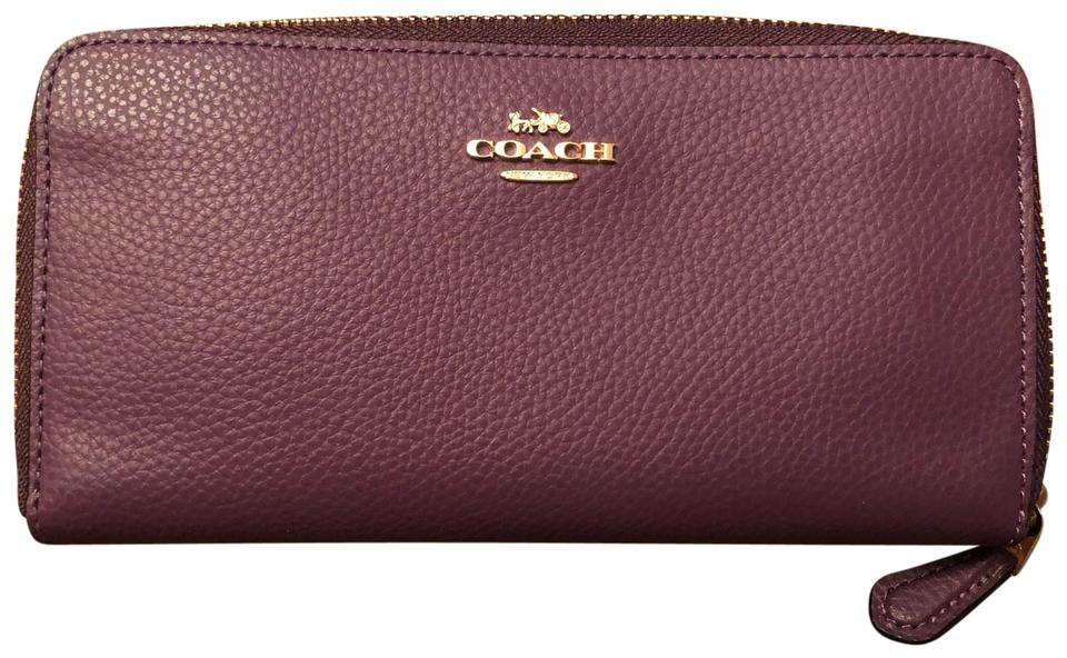 1ed7ac84 Coach Wallets on Sale - Up to 70% off at Tradesy