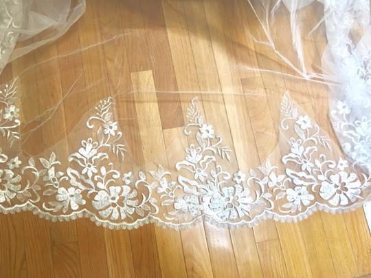 Long New Ivory 6m/19ft Lace Edge Cathedral Bridal Veil Image 1