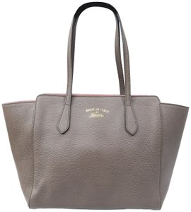 Gucci Swing Small Calfskin Tote in Taupe