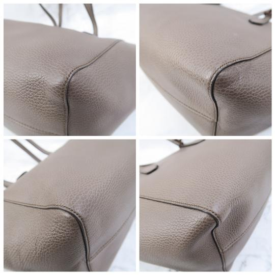 Gucci Swing Small Calfskin Tote in Taupe Image 4