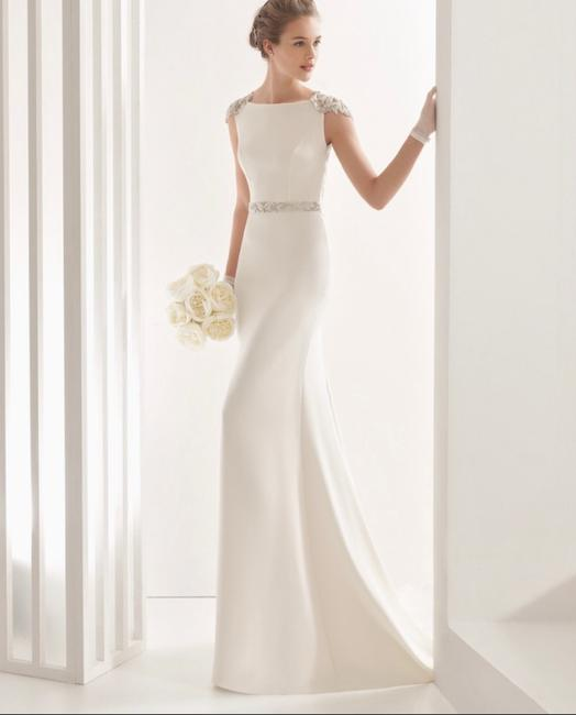 Item - Naira Beaded Back Crepe Gown Formal Wedding Dress Size 10 (M)