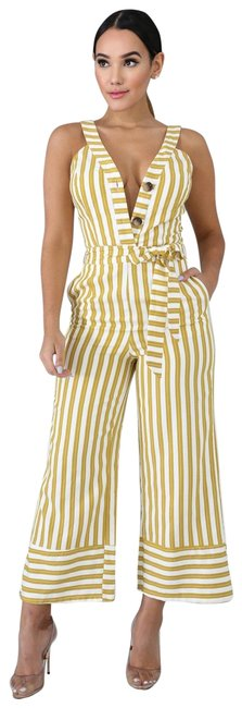 Preload https://img-static.tradesy.com/item/25858697/yellow-and-off-white-romperjumpsuit-0-1-650-650.jpg