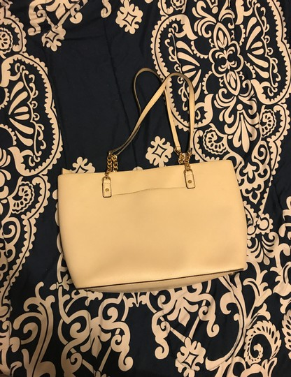 MICHAEL Michael Kors Tote in cream Image 3
