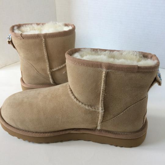 UGG Australia Sale New With Tags New In Box SAND Boots Image 3