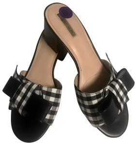 Tahari black and white Platforms