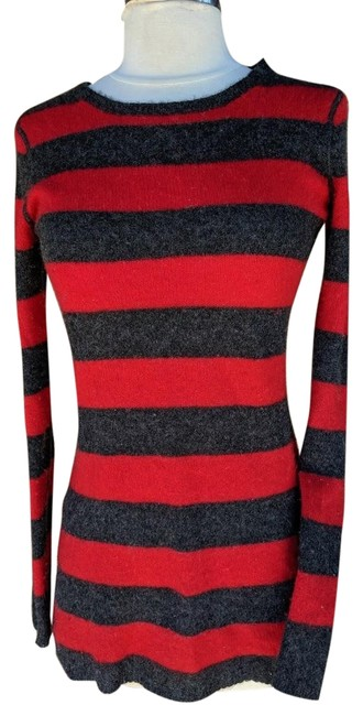 Preload https://img-static.tradesy.com/item/25859364/neiman-marcus-gray-striped-soft-cashmere-knit-s-red-sweater-0-1-650-650.jpg