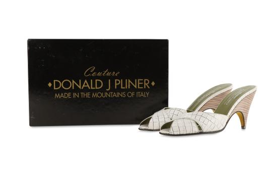 Donald J. Pliner Mule Made In Italy white Pumps Image 11