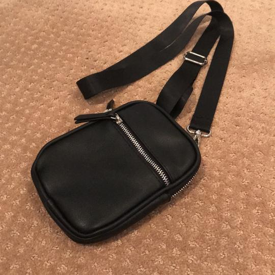 Wild Fable Cross Body Bag Image 1
