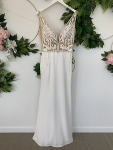 Ivory/Light Nude Illusion Crepe Lace and Tulle La7279 Sexy Wedding Dress Size 8 (M)
