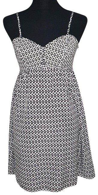 Preload https://img-static.tradesy.com/item/25859918/bar-iii-black-white-3-mid-length-cocktail-dress-size-8-m-0-1-650-650.jpg