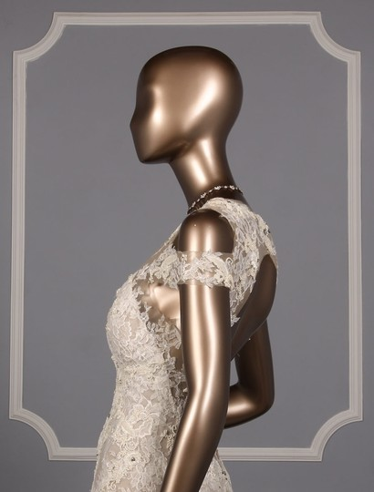 Monique Lhuillier Silk White/Nude Embroidered Tulle/Lace Geneva Modern Wedding Dress Size 10 (M) Image 4