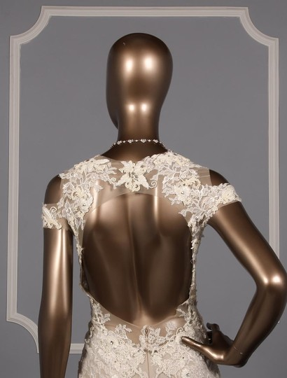 Monique Lhuillier Silk White/Nude Embroidered Tulle/Lace Geneva Modern Wedding Dress Size 10 (M) Image 6