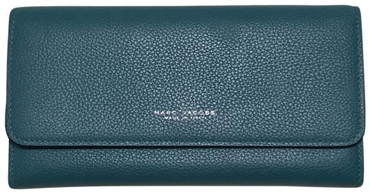 Preload https://img-static.tradesy.com/item/25860562/marc-jacobs-turquoise-leather-wallet-0-1-540-540.jpg