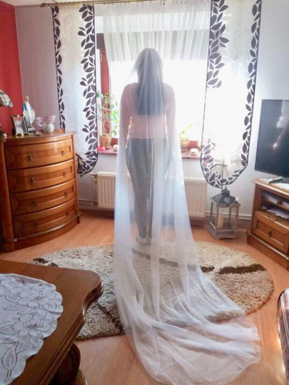 Long White Or Ivory 3m/10ft 2t Cut Edge Cathedral Bridal Veil Image 8