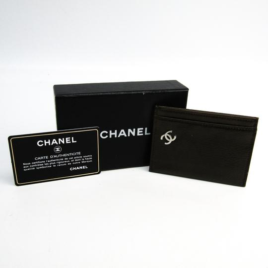 Chanel Chanel A36499 Patent Leather Card Case Khaki Image 10