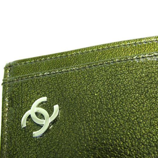 Chanel Chanel A36499 Patent Leather Card Case Khaki Image 6