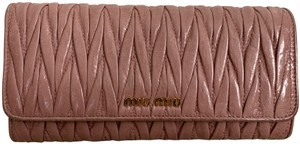 Miu Miu Dusty Rose Pink Matelasse Quilted Leather Bifold Continental Wallet