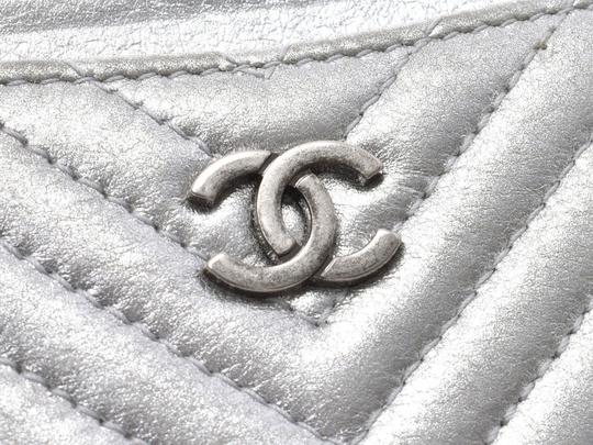 Chanel Silver Calfskin Chevron Card Case Image 5