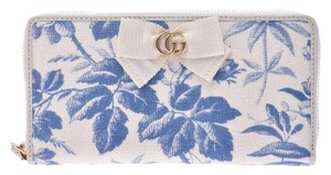 Gucci White and Blue Floral Toile Long Zip Around Wallet