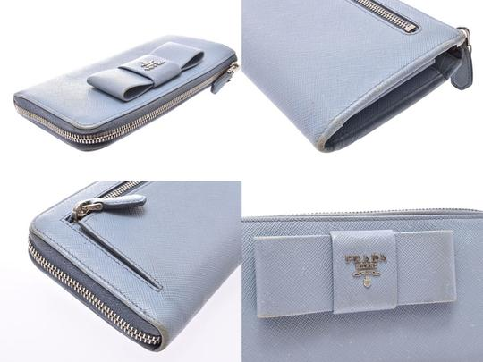 Prada Light Blue Bow Motif Saffiano Leather Zip Wallet Image 6