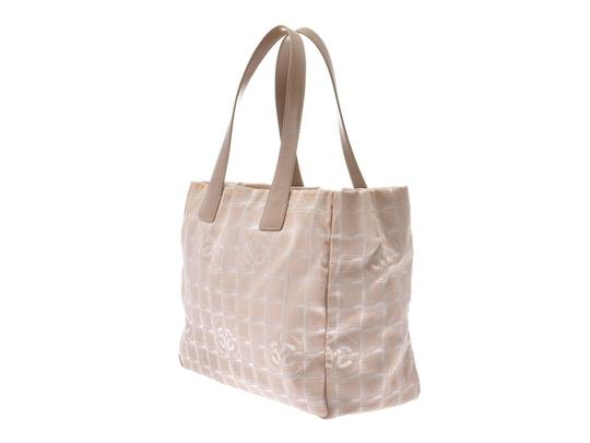 Chanel Tote in Beige Image 1