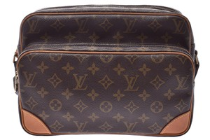 45b9557e1a Louis Vuitton on Sale - Up to 70% off LV at Tradesy