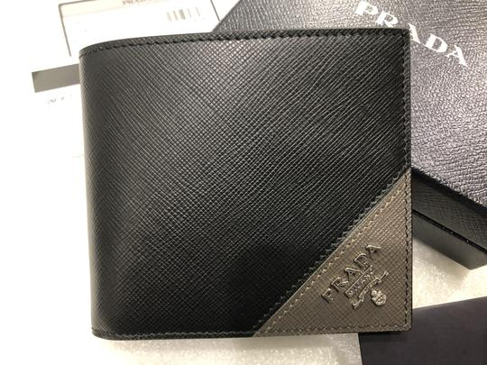 Prada Men's Saffiano Leather Billfold Wallet Metal Logo 2MO513 Image 4