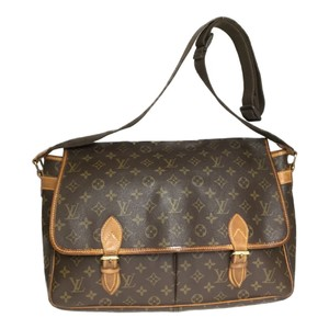 f4a26153 Louis Vuitton Bags on Sale - Up to 70% off at Tradesy