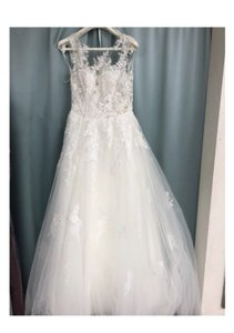 Pronovias Off White Tulle 4108300366536 Feminine Wedding Dress Size 4 (S)