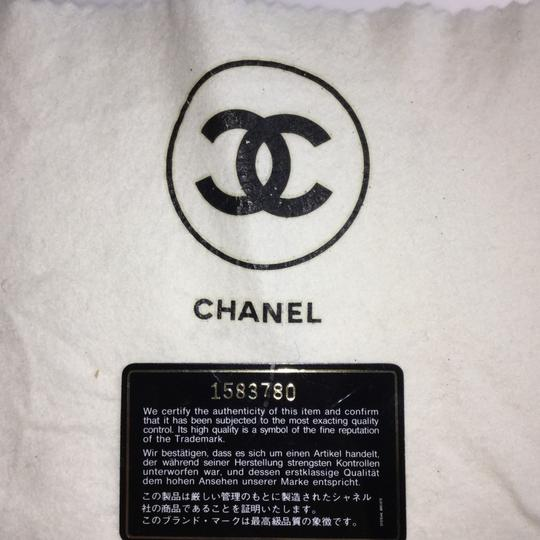 Chanel Shoulder Bag Image 16