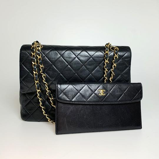 Chanel Shoulder Bag Image 17
