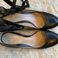 Gianvito Rossi Leather Ankle Wrap Work Classic Black Pumps Image 8