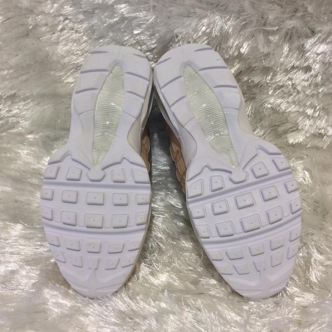 Nike White Cream and Silver A8697002 Sneakers Size US 6.5 Regular (M, B) Nike White Cream and Silver A8697002 Sneakers Size US 6.5 Regular (M, B) Image 4